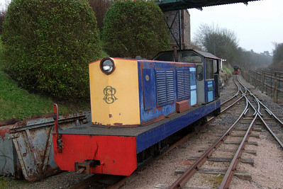 With Perkins having been pushed out of the way onto the headshunt, Lady Wakefield returns to the station, 03/04/08.