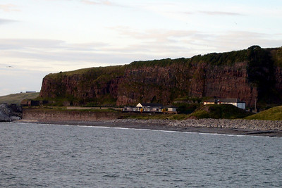 37194 and 37087 leave Whitehaven heading north with 6C46 Sellafield - Carlisle Kingmoor TMD flasks, 08/08/07.
