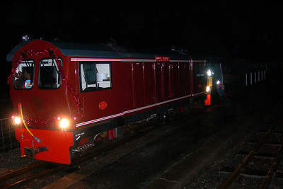 Douglas Ferreira and Shelagh of Eskdale prepare to double-head out of Dalegarth back to Ravenglass in the dark, 10/12/06.