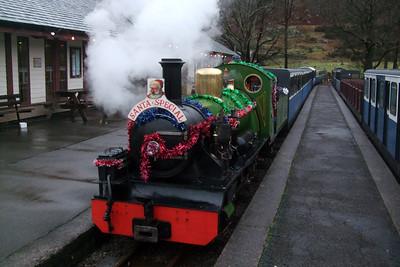 River Irt draws into Dalegarth station with the Santa train, 13/12/08.