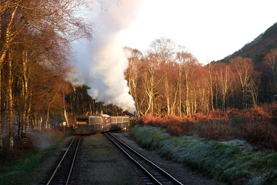 River Irt heads up the line for the final time, departing Miteside loop, 06/12/08.