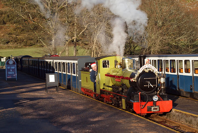 Northern Rock on Santa duties at Dalegarth. 18/12/11.