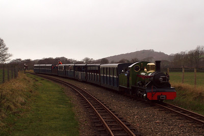 River Irt arrives at Irton Road with a nine-coach train. 26/12/11.