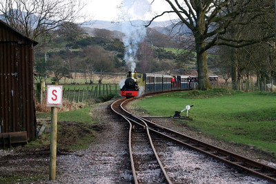 Northern Rock steams into Irton Road, 09/02/08.