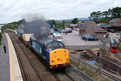 37603 and 37601 top 'n' tail 6C51 through Ravenglass with Douglas Ferreira parked nearby, 16/07/09.
