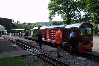 Douglas Ferreira, now on the front of the train at Irton Road, prepares to pilot a failed Lady Wakefield, 02/07/09.