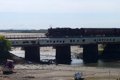 48151 returns to Ravenglass across the Mite viaduct, 28/05/07.