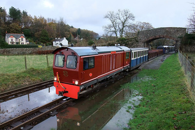 Douglas Ferreira at a waterlogged Irton Road, 07/11/09.