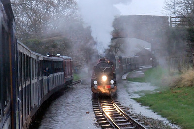 River Mite gets underway from Irton Road as Douglas Ferreira rolls through the saturated up loop, 07/11/09.