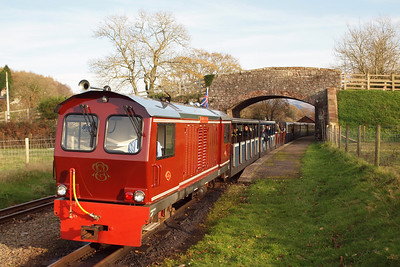 Douglas Ferreira pauses at Irton Road with the 1350 Dalegarth - Ravenglass. 13/11/11.