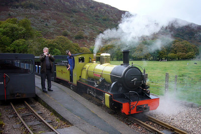 Northern Rock with the railtour special at Dalegarth, about to propel her stock into the siding, 13/10/07.