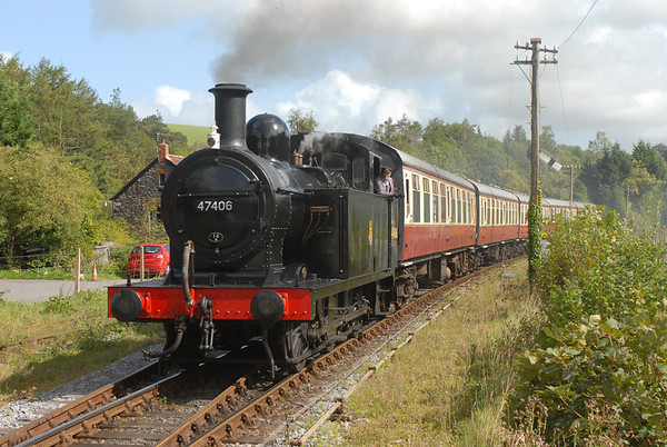 """Recently restored Visiting Jinty 47406 is currently """"running in"""" on the SDR. It took part in the Heritage Transport Weekend on the 10/11 September and is seen arriving at Staverton on 1132 Totnes - Buckfastleigh in the Autumn sun."""