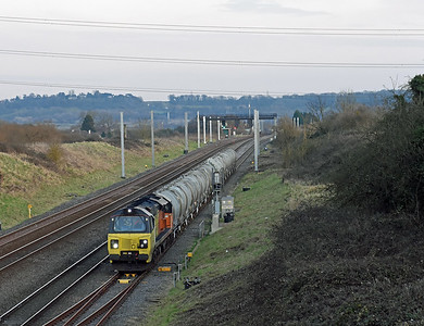 70807 6C37‎ 1528 Westbury Tarmac Colas Rail to Aberthaw Tarmac Colas Rail‎ Arrived Pilning Loop 1630 and departed 1720