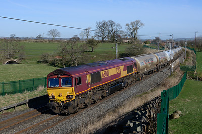 66021 passes Catterlen with the Mossend-Clitheroe cement tanks on 24/3/17.