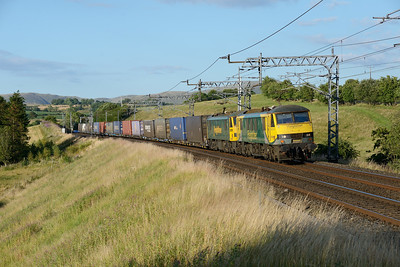 90049 + 90041 pass Lambrigg with Coatbridge-Crewe containers on 8/7/18.