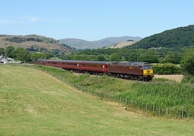 57316 leads the 13.20 Windermere-Oxenholme away from Staveley on 1/7/18.