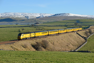 A Derby-Heaton via Armathwaite NMT passes Waitby on 26/11/16 formed of 43062+43014.