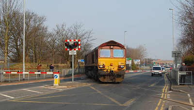 66186 crossing Strand Road with the 6E32 on Wednesday 10th April 2013. A nice way to stop the traffic at about 9.15am.