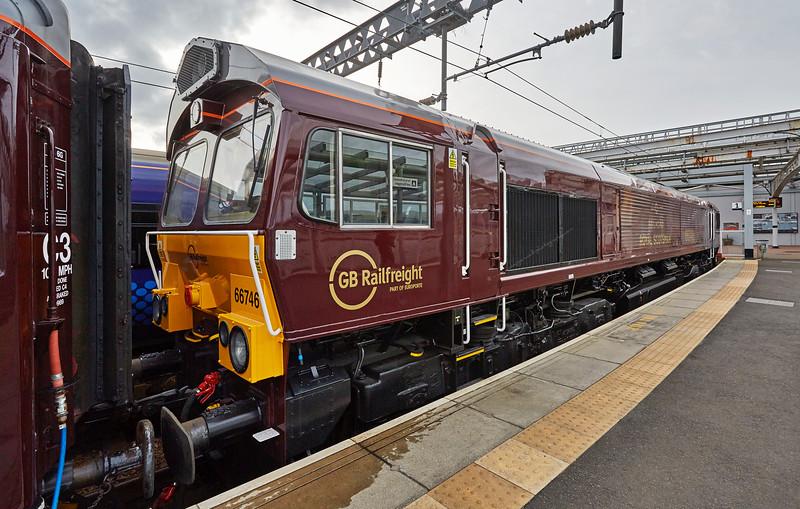 'Royal Scotsman' at Gourock Station - 24 April 2016