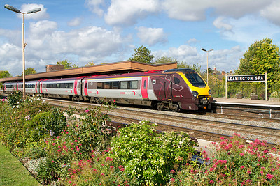 220014 forming the 07.00 Edinburgh to Reading departs from Leamington Spa. 21/09/2011