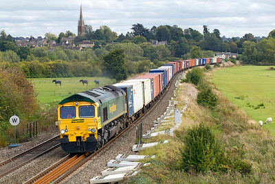66565 heads 4M61 12.55 Southampton to Trafford Park past Kings Sutton, Wednesday 21st September 2011.