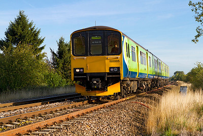 With the destination blind already set for the return journey 150005 approaches Rainbow Hill Tunnel, Worcester on the final leg of it's journey to Worcester Foregate Street. 21/09/2011
