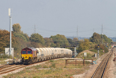 66098 powers the 6B35 10.47 Hayes to Moreto-on-Lugg empty stone hoppers out of the Severn Tunnel. 28/09/2011