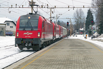 541-010 with two sisters one of which is DIT power a mixed freight from the Austrian border through Lesce-Bled towards Ljubljana. Thursday 14th February 2013.