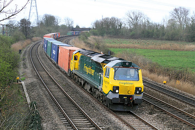 Class 70 No. 70003 passes Duffryn, Newport with a lengthy 4O51 10.00 Wentloog to Southampton Millbrook Freightliner service,