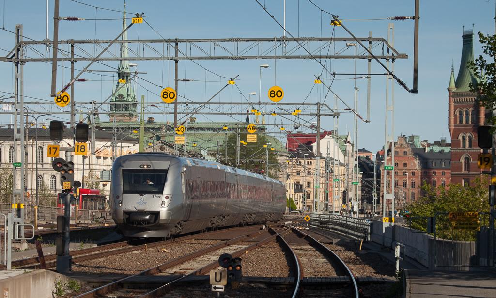 X55 3744 in Stockholm Central.