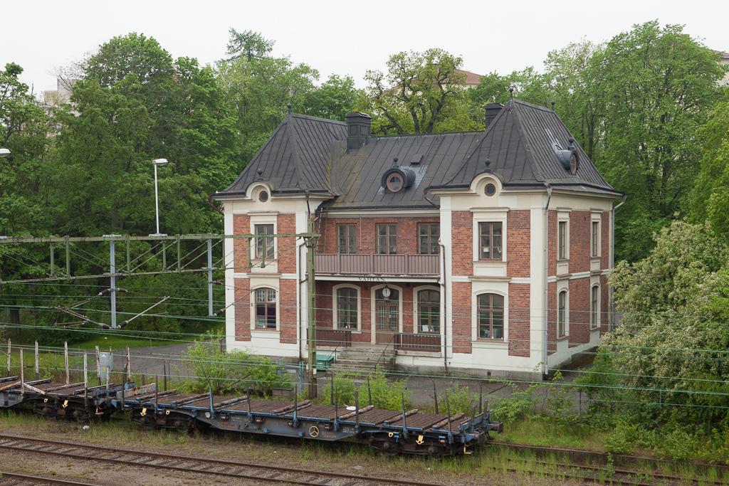 Värtan station building.