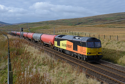 In a lucky patch of sunshine 60095 hauls a short Dalston-Grangemouth tank train near Elvanfoot 8/10/16.