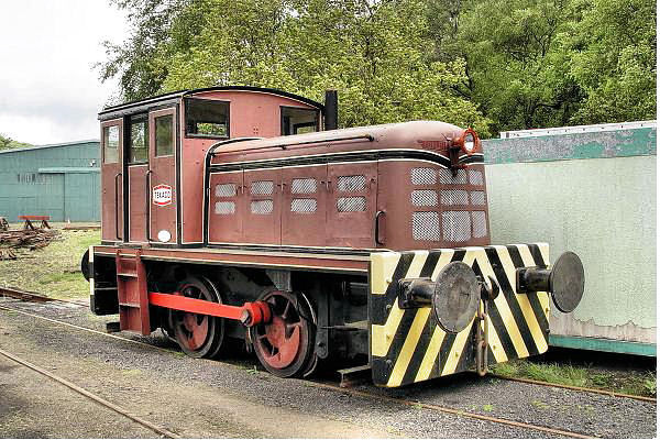4210140 J Fowler 0-4-0DM - Scottish Vintage Bus Museum