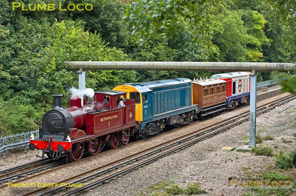 LUL Train 746, Watford South Junction, 3rd September 2013