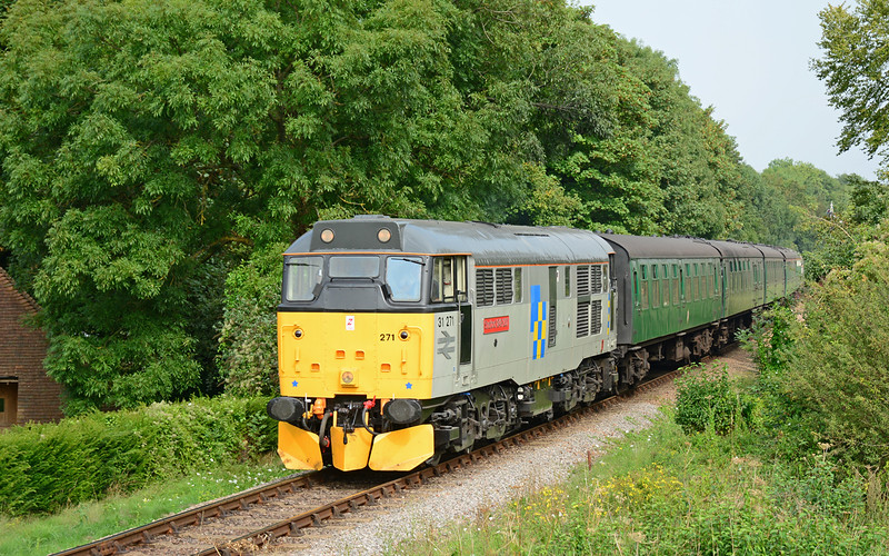 31271 is seen on the approach to Alresford, with the 14:20 service from Alton.