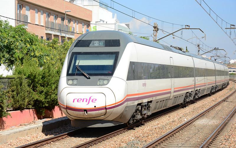"Emu 9-121-001-2 seen at Massanassa Valencia on a ""Avant"" service heading for Gandia."