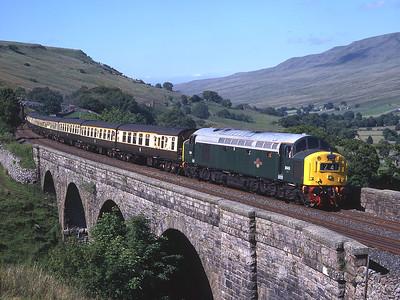 Class 40 D345 crosses Ais Gill viaduct with a Carlisle-Birmingham International charter 12/7/03.
