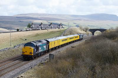 37609 & 37612 top & tail a Derby-Heaton measurement train near Ribblehead 11/4/15.
