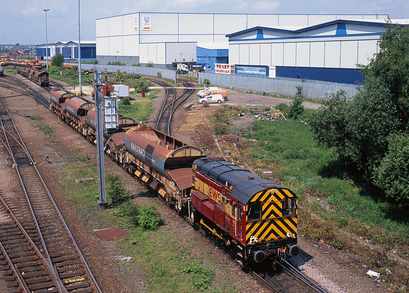 09106 Shunts Railtrack ballast hoppers at Doncaster Decoy Yard - 12:47 05/06/08