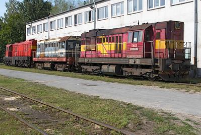 Stored locomotives at Haniska Depot consisting of standard gauge 742 375 plus broad gauge 721 802 and 770 804. Friday 8th September 2017.
