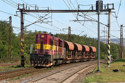 742 646 passes Ruskov westbound with 4 ballast wagons. This train was travelling faster than any other train we saw over the 4 days! Friday 8th September 2017.