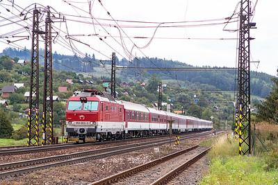 350 003 heads train RI7610 14.32 Kosice to Bratislava into Liptovský Mikuláš. Wednesday 6th September 2017.