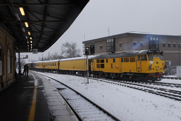 31285+9708 on 1Z06 structure gauging train heads for Riverside following a fuel stop at Exeter Depot