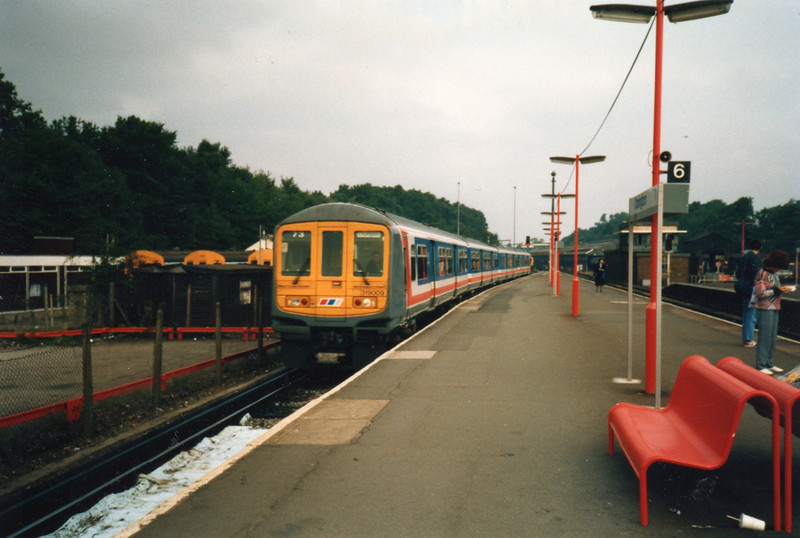 Summer 88 - class 319's at Orpington on a Victoria working.