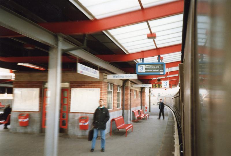 Holborn Viaduct destination at Elephant & Castle on 26/01/90.
