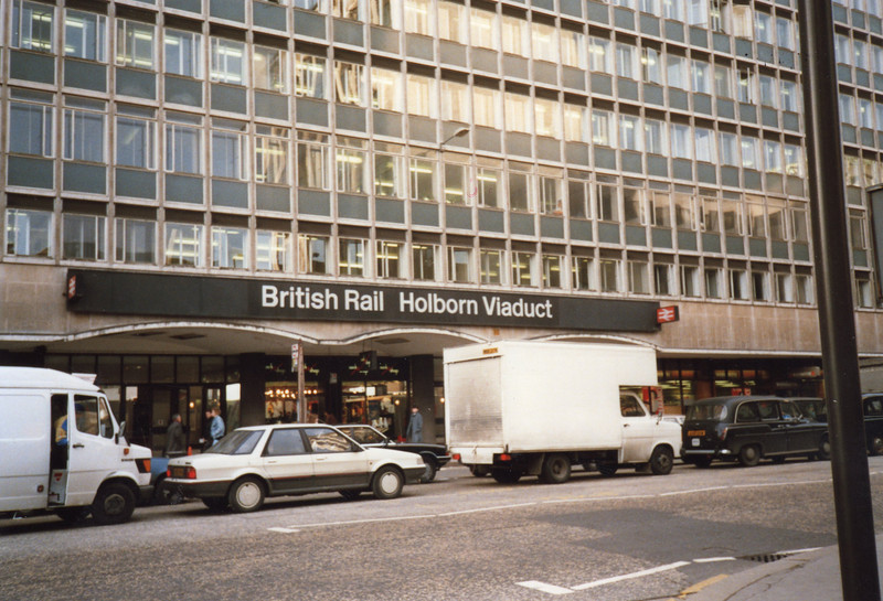 The station entrance at Cheapside - 26/01/90.