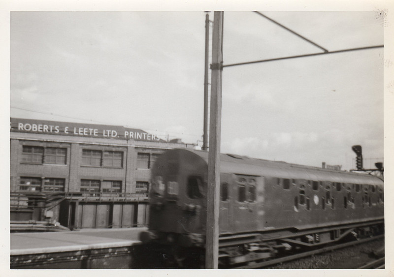 The ill fated double decker EMU as travelled in and photographed on 25/03/63 (my first railway photograph!). Firstly 4001 leading a Dartford to Charing Cross service at London Bridge..........