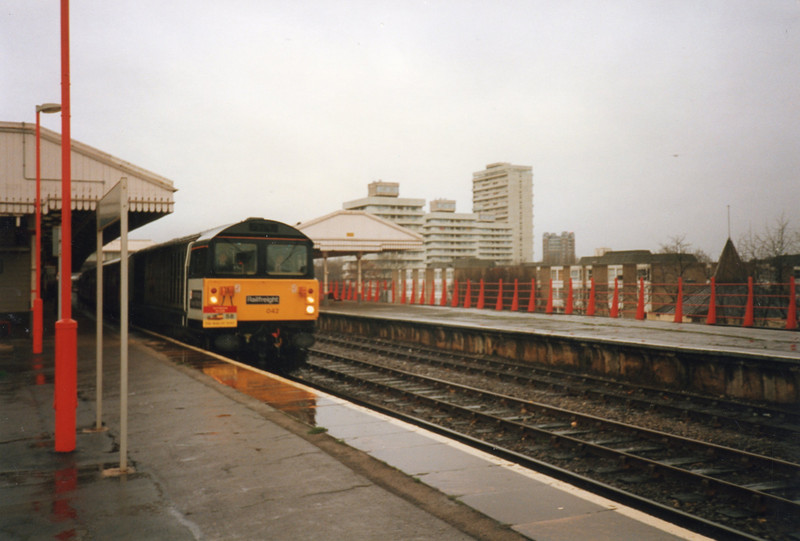 "58042 arrives at Clapham Junction on 21/12/91 with ""The Man of Kent"" railtour."
