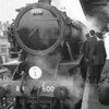 The Longmoor Military Railway railtour on 16/04/66 had the subsequently preserved 2-10-0 WD 600 Gordon take over the train here at Woking. This was the first occasion BR had allowed a privately owned steam locomotive to run over their metals. Foretelling the future?