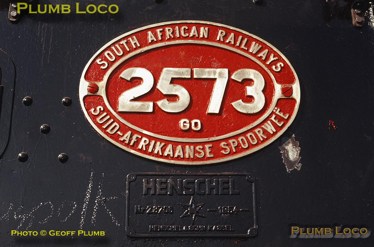 Numberplate on SAR GO Class Beyer-Garratt No. 2573, Capital Park, 20th August 1972